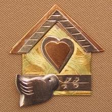 Scissor Sitter Birdhouse