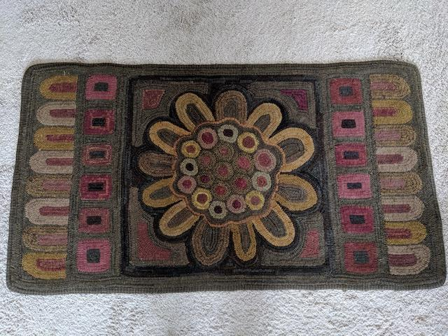 Penny Rug Sunflower Small, pattern by